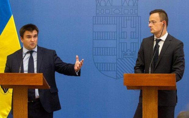 Угорщина в паніці: Міноборони хоче відновити військову базу на Закарпатті