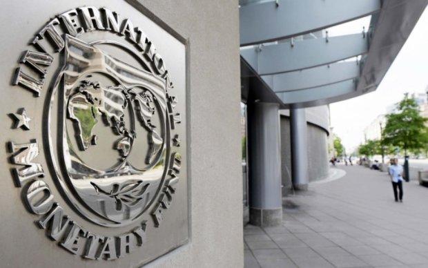 У відносинах з МВФ уряду слід врахувати досвід Аргентини та Польщі, – Коновалюк