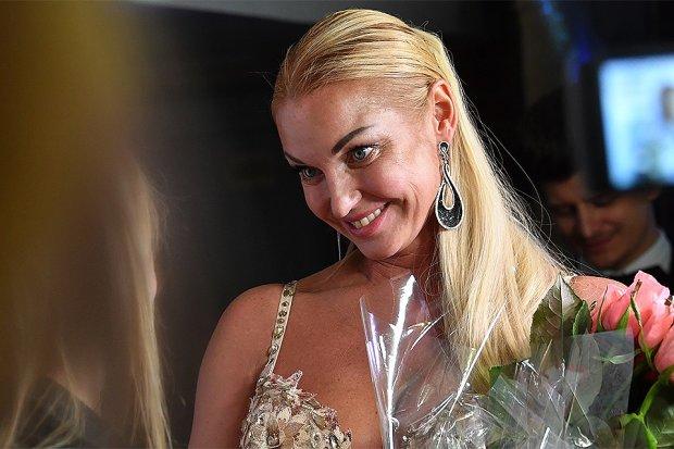 Волочкова закрутила роман с Джигурдой: пьяные игры попали на видео