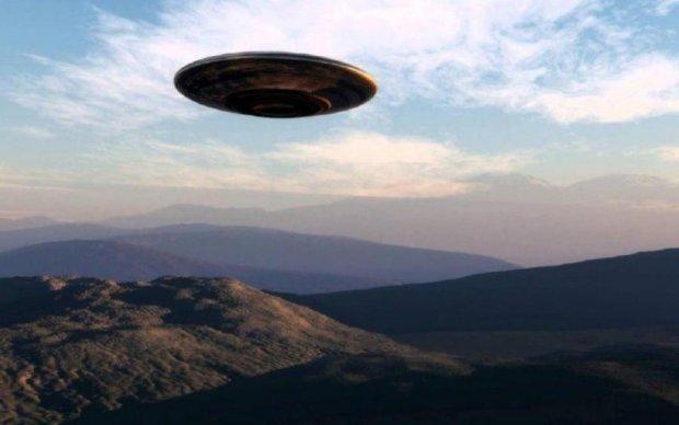 Пентагон опублікував засекречені кадри з НЛО: відео