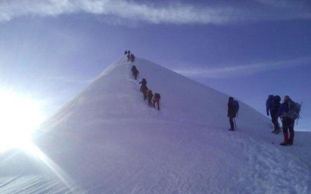 Срочная эвакуация: снежная стихия взяла в плен детей на Закарпатье