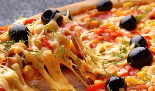 Домашня піца на сковорідці: швидкий рецепт на всі випадки життя