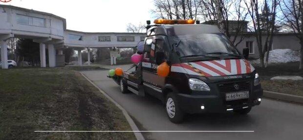 Эвакуатор, фото: скриншот из видео