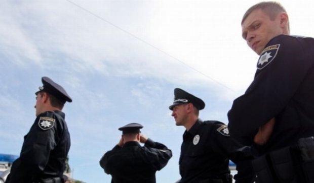 """В Киеве ищут серое """"Рено"""", сбившее полицейского"""