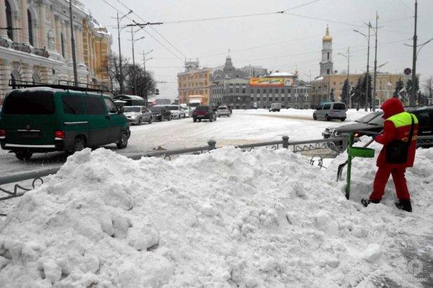 Морози, ожеледиця і багнюка: синоптики пообіцяли українцям лютий екватор грудня