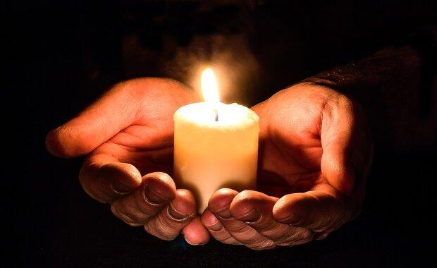 Свеча скорби фото из свободных источников