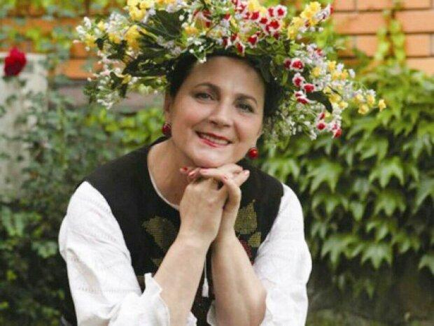 Містичне дитинство Ніни Матвієнко: мама-віщунка і цілителька, тато - копач могил