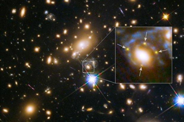 Астрофізики через спалахи наднової вперше побачили Хрест Ейнштейна