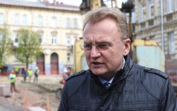 Глава Львова экстренно вылетел в Киев: появились первые подробности