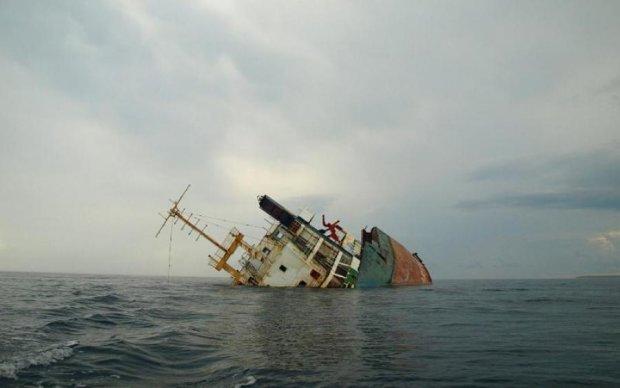 Аварія корабля в Криму: спливли скандальні подробиці
