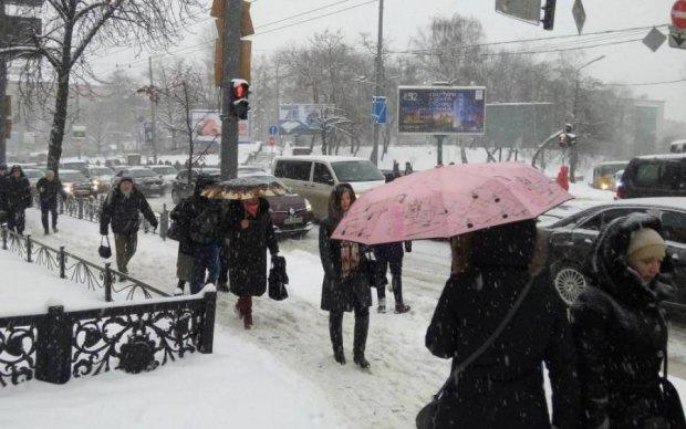 Погода разделила Украину на два фронта: чего ждать в начале недели