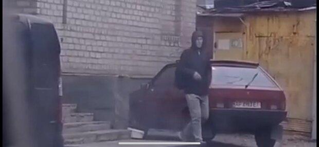 У Запоріжжі помітили нахабного автовору, фото: скріншот з відео