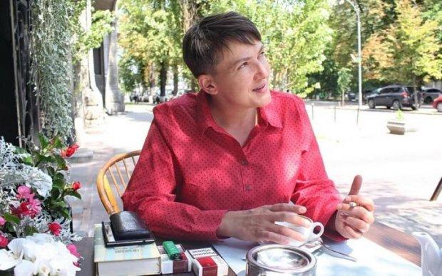 Савченко устроила дикие танцы на шумной вечеринке