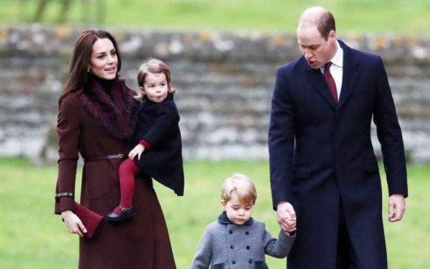 Кейт Мидлтон впервые показала новорожденного принца: фото