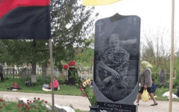 """Аферистка из Франковска надела черный платок и получила миллион: """"Мой муж погиб на Донбассе"""""""