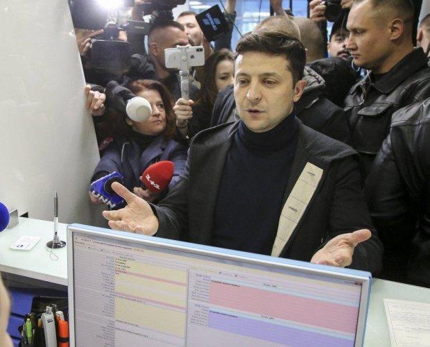 Зеленский собирается ввести налог для заробитчан: сколько придется платить и почему