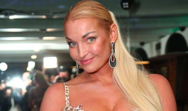 """Волочкова нарешті показала бойфренда, фанати ахнули: """"Метр з кепкою!"""""""