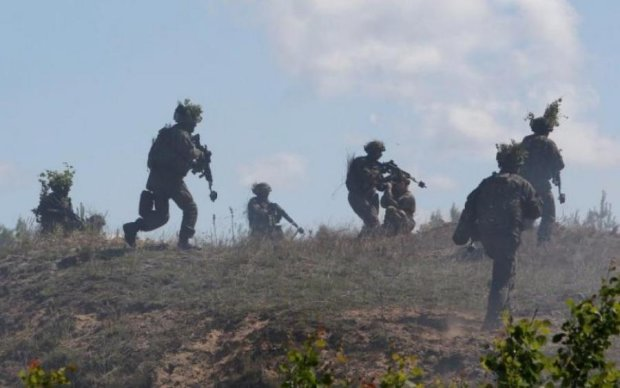 """""""Украинский сценарий"""": Латвия срочно подняла войска"""