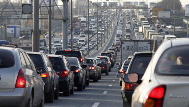 """Днепр застыл в гигантских пробках, страшная авария заставила водителей """"курить"""": что известно"""