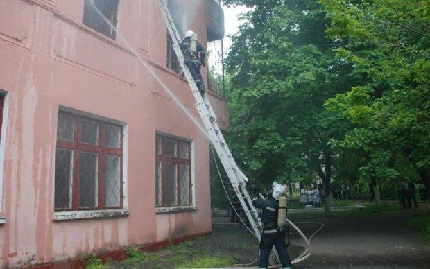Пожар в психбольнице на Николаевщине: пациентов эвакуировали