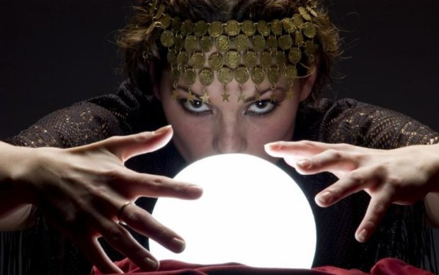 Астрологічний прогноз на травень: кому зірки радять бути напоготові