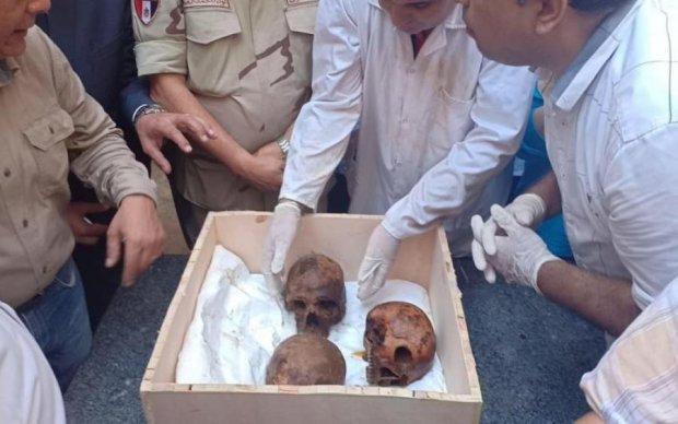"""Ученые выяснили, кто был похоронен в """"проклятом"""" черном саркофаге из Египта"""