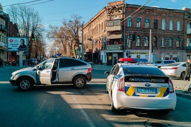 Украинец открыл огонь в McDonalds: есть пострадавшие
