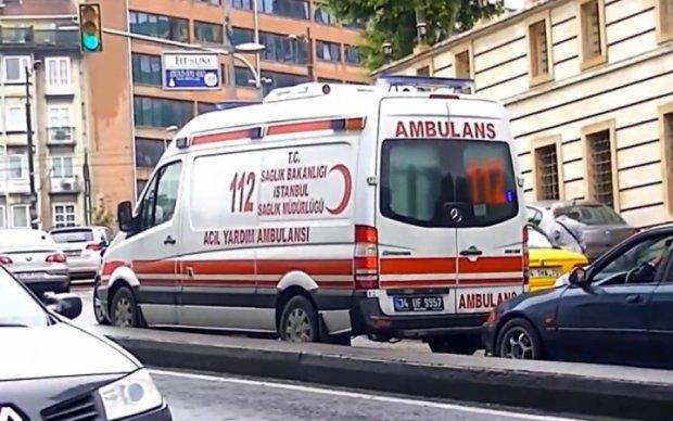 Взрыв автобуса в Стамбуле: пострадали студенты