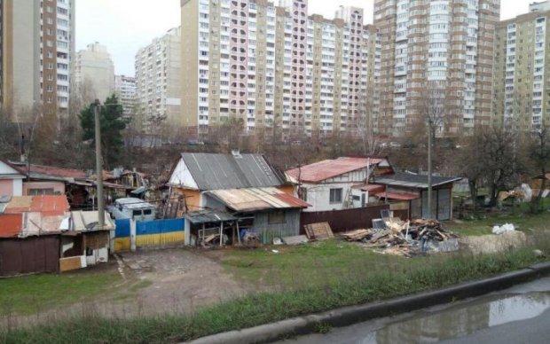 Відрізали мотузку та скинули в воду: сплили кричущі деталі самогубства в Києві