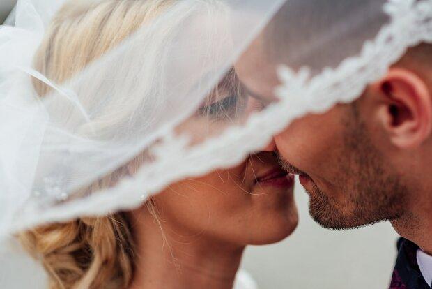Под Днепром супружеская пара отметила Благодатную свадьбу: 70 лет бок о бок