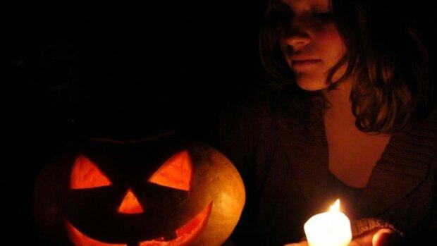 Гадания на Хэллоуин: самые интересные варианты