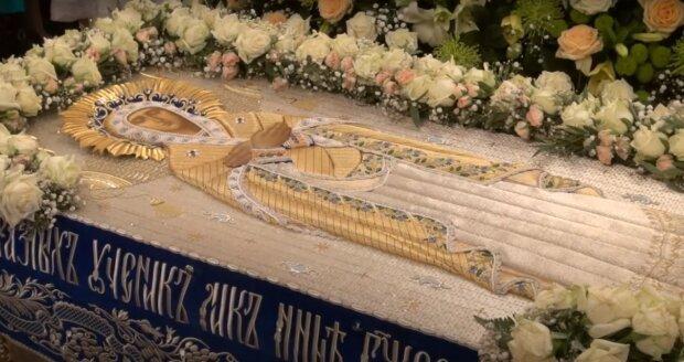 Успение Пресвятой Богородицы 2020: обряды, приметы и особенности праздника