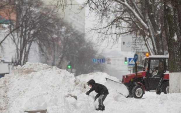 Сніготест у фотографіях: як Київ пережив витівки погоди