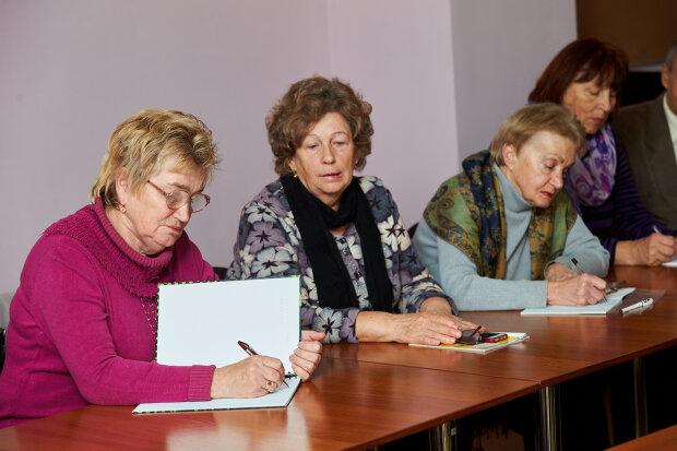 Пенсионеры, фото 33 канал
