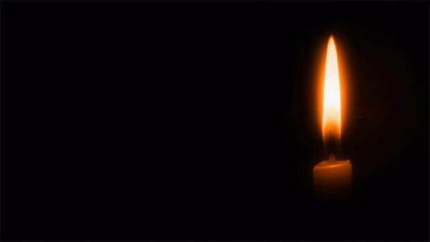 Свічка скорботи, фото: вільне джерело
