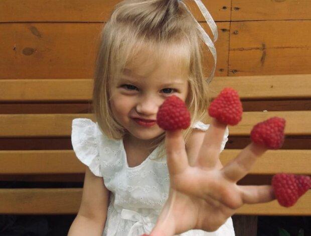 """Трирічна принцеса вчить львів'ян """"солов'їній"""": досить ламати язика російською"""