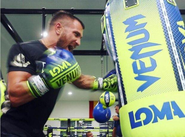 Ломаченко наочно показав, що загрожує Лопесу в бою: аби тільки ринг витримав
