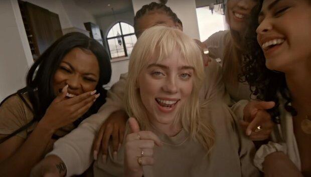 Билли Айлиш, скриншот из видео