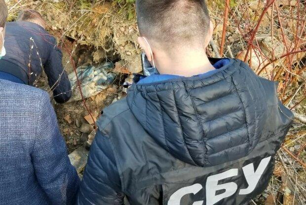 схованка з боєприпасами, фото: СБУ