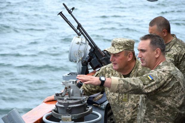 Коридор до Криму:  чим загрожують російські кораблі