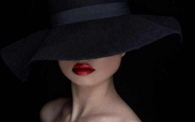 Одна шапка залишилася: дружина українського нардепа роздяглася в мережі