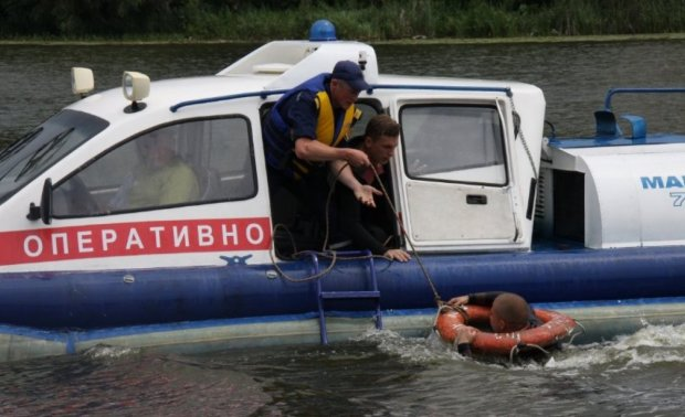 Украинцев предупредили об опасности на воде, погибли сотни тысяч человек: как уберечься