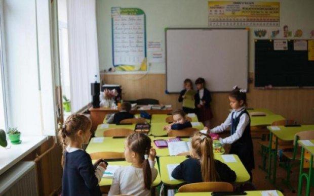 """Почему не нужно будить детей утром в школу: эксперт раскрыл все """"за"""" и """"против"""""""