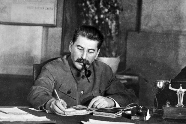 """""""Моральні виродки і дегенерати"""": онук Сталіна присоромив прихильників репресій радянського вождя"""