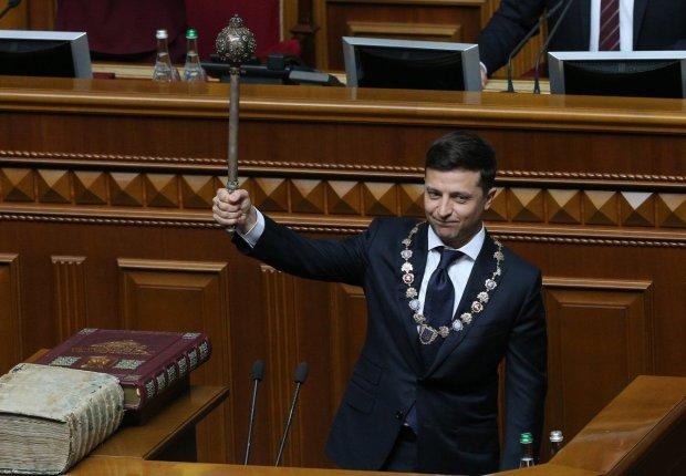 Зеленского затягивают в ловушку: эксперт объяснил, чем роспуск Рады грозит Президенту