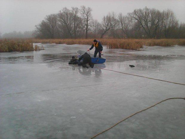 Харьковщину потрясла страшная трагедия: из ледяной реки достали мертвого ребенка