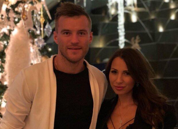 Андрій Ярмоленко з дружиною, фото з Instagram