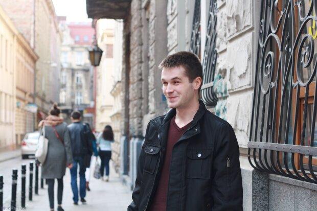 """Незрячий львів'янин """"спав"""" із комп'ютером і став профі в ІТ, неймовірна сила духу - історія молодого хлопця зворушила Україну"""
