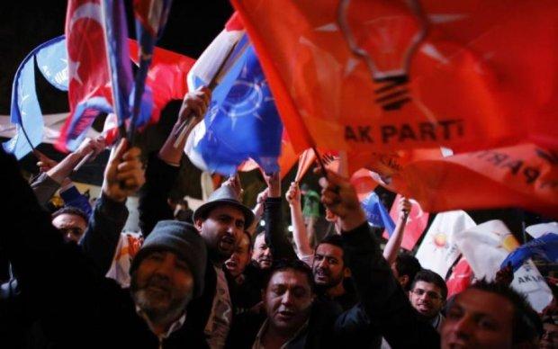 Турцию всколыхнули масштабные протесты: что происходит