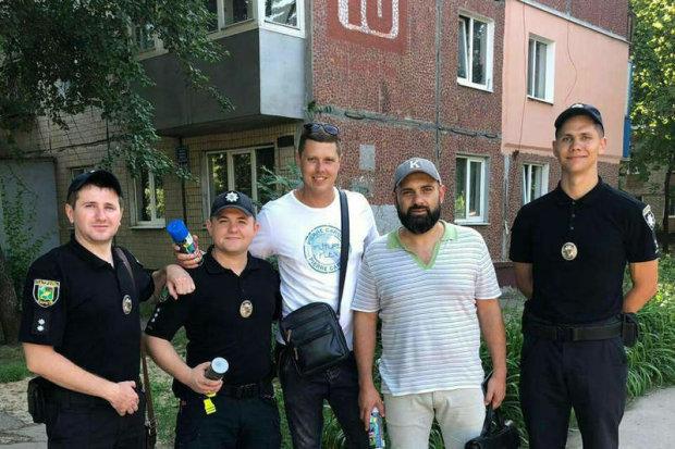 В Харькове рисовали жизнь: копы показали себя с неожиданной стороны